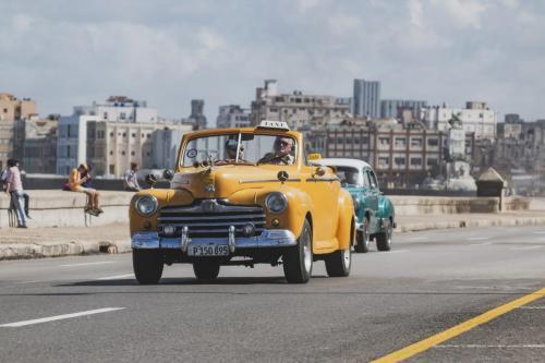 Habana Carros Clasicos MG 1136 [Máximo Ancho 2400 Máxima Altura 1800]